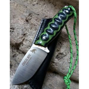 http://cuchilleriaelartesano.com/5564-thickbox/novedad-cuchillo-chacal-mini-mikarta-jv.jpg
