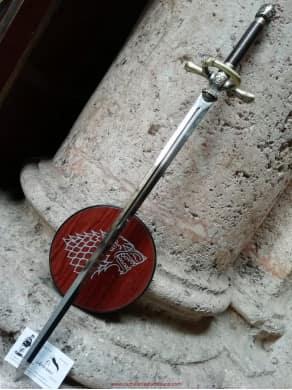 Réplica de la espada Aguja...