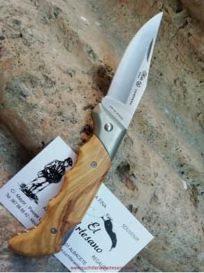 Penknife Nieto of field 070