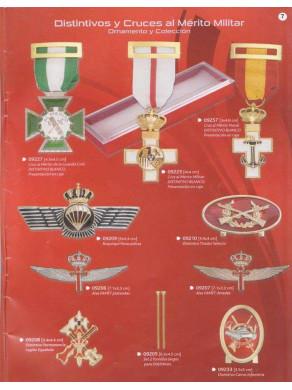 distintivos y cruces al merito militar