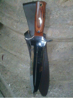 Sheath knife of kill off...