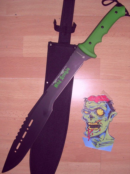 Machete cortacañas Zombie 31922