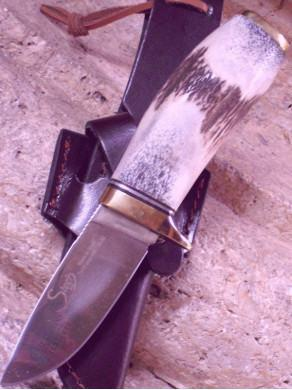 Knife of mount of deer in crafts 31916