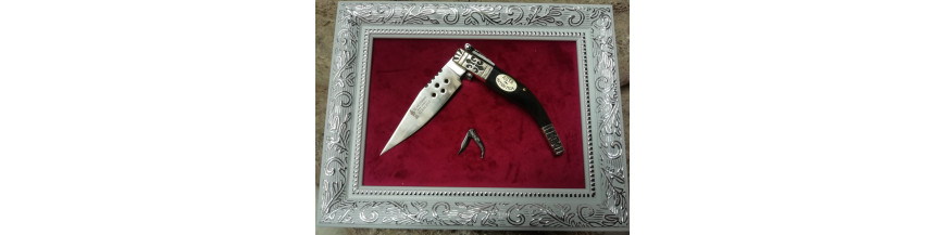 Framed pocket knife