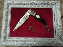 Framed pocket knife